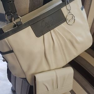 Coach White Tote and Wallet